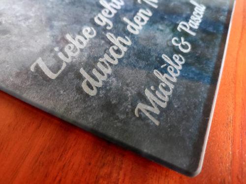 Lasergravur in Glasschneidebrett